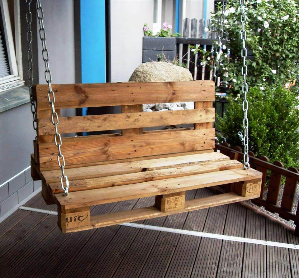 20 pallet ideas you can diy for your home 99 pallets for Building a wooden swing