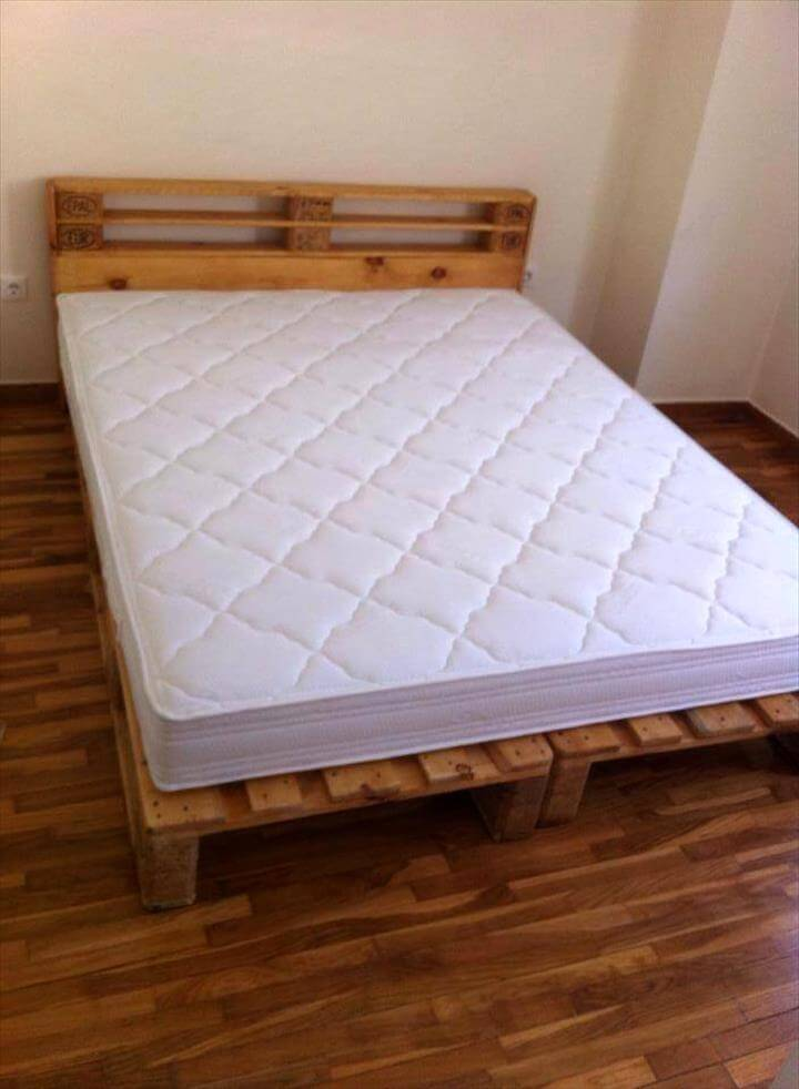 Beautiful wooden pallet platform bed , comes also with a mini ...