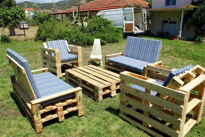 diy pallet seating set for garden