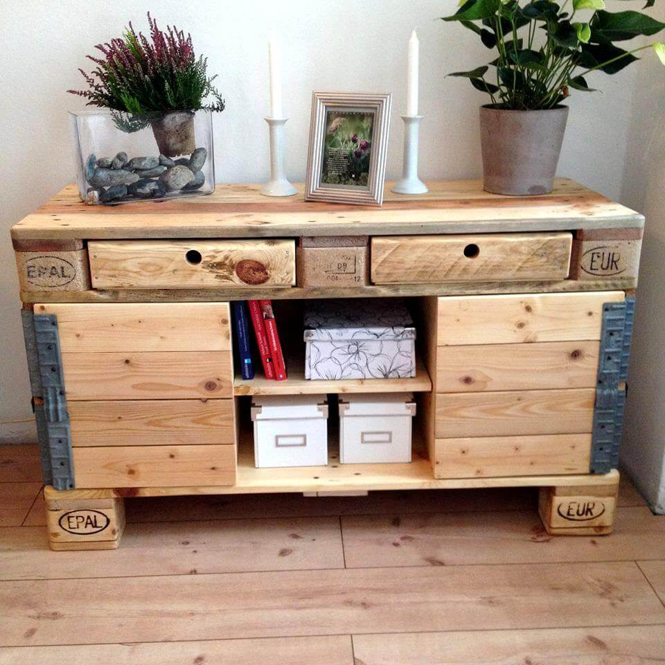 diy pallet sideboard with drawers cabinets 99 pallets. Black Bedroom Furniture Sets. Home Design Ideas