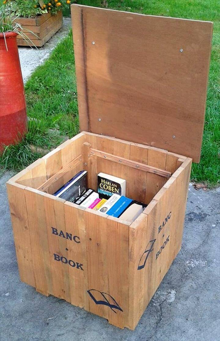 amazing pallet beanbag seat with book storage