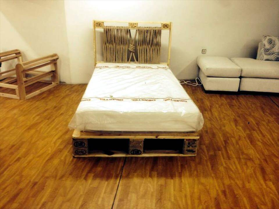 Diy Pallet Bed With Lights 99 Pallets
