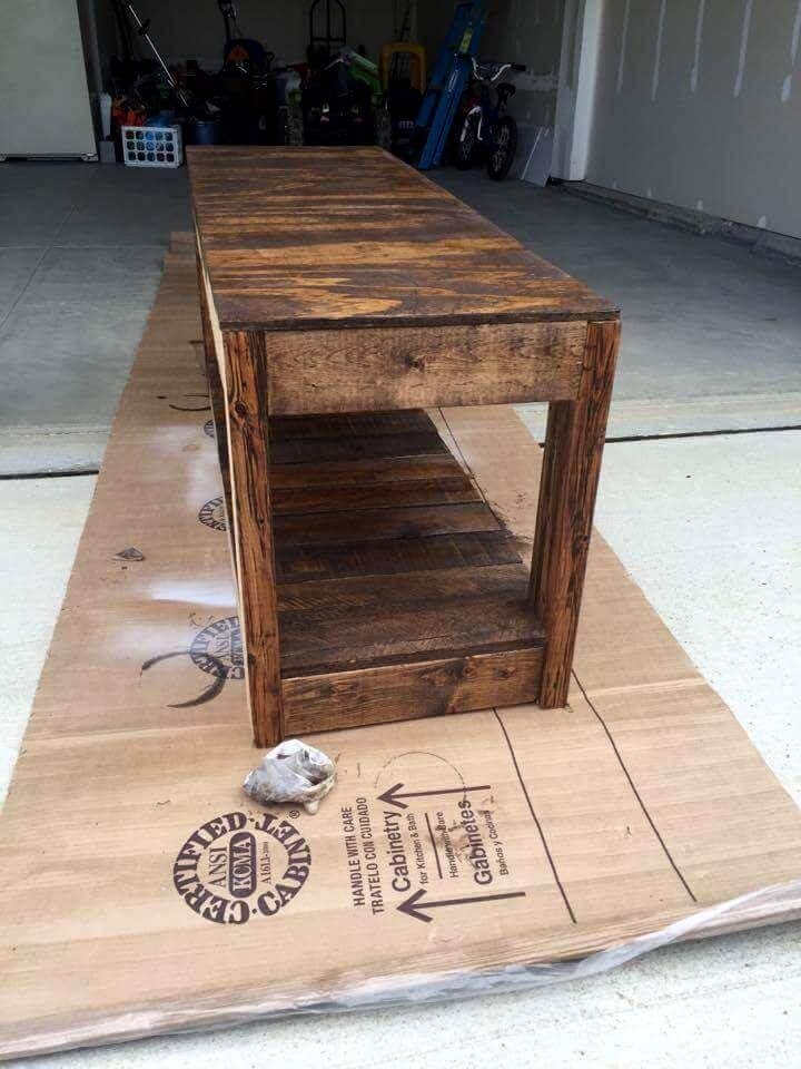 wooden pallet bench seat