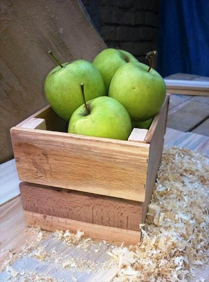 wooden pallet fruit box or bread box