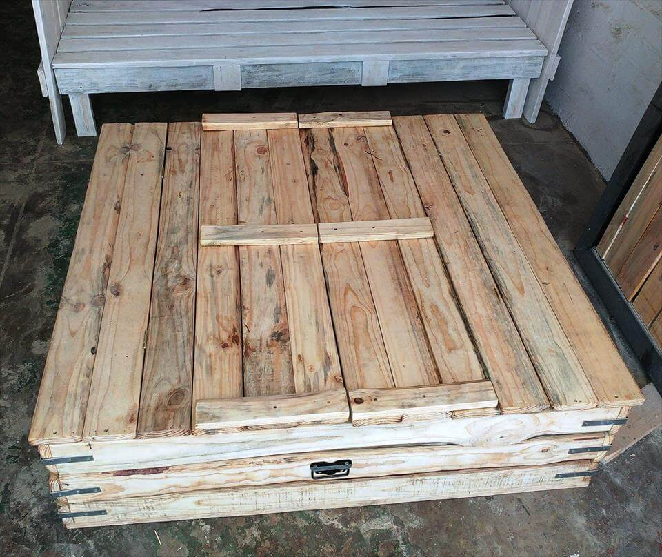 diy pallet sand pit for kids
