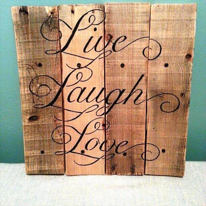 pallet wall art idea