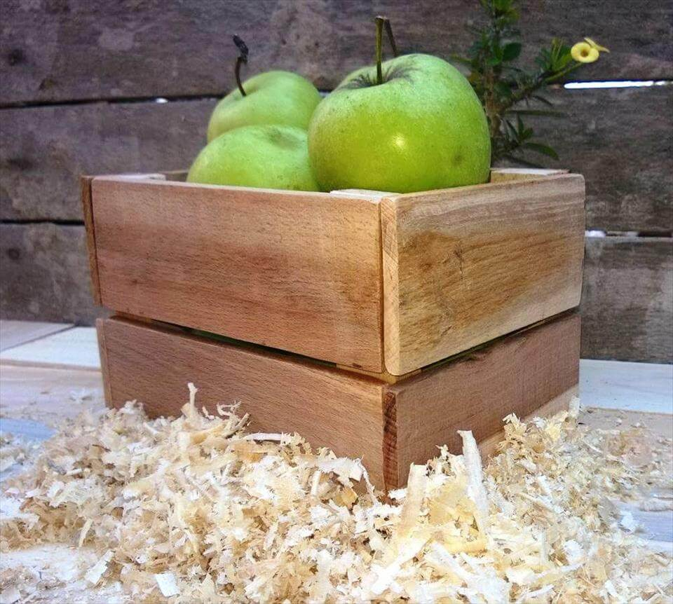 reclaimed pallet box for fruit or bred