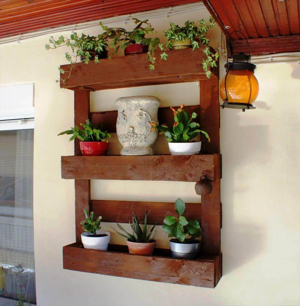 gorgeous pallet wall organizer for pots