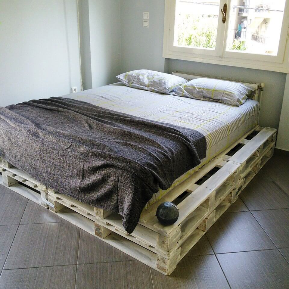 20 Pallet Ideas You Can DIY for Your Home | 99 Pallets on Pallet Bed Design  id=20615