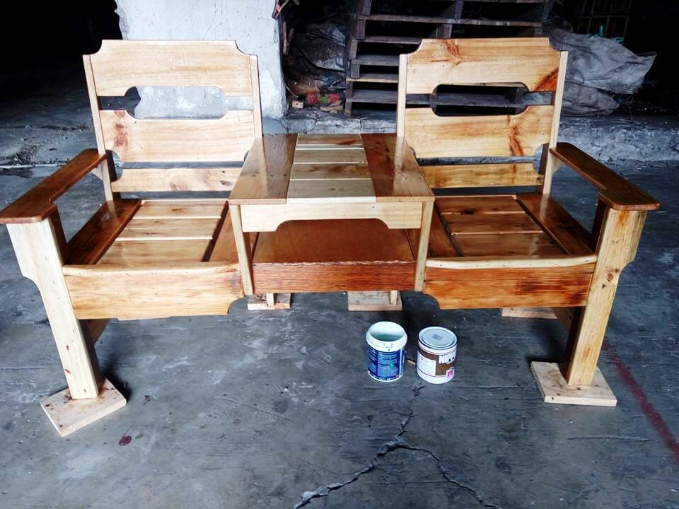 low-cost yet stylish wooden pallet double chair bench