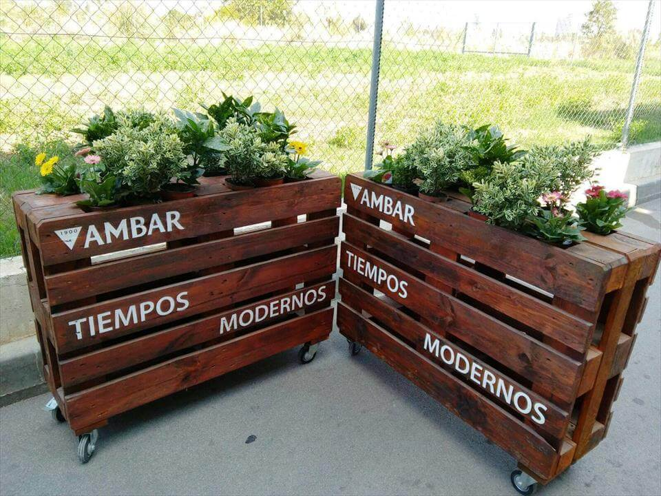 repurposed pallet planters