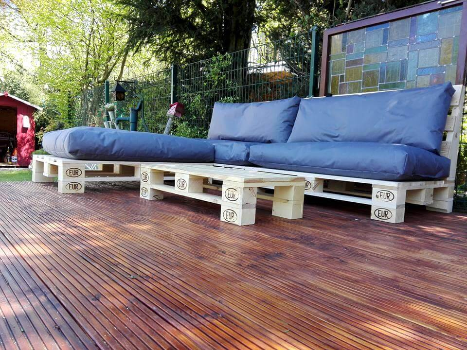 awesome pallet sofa
