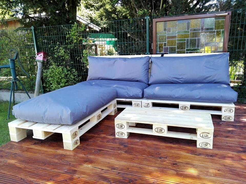 awesome pallet outdoor sofa